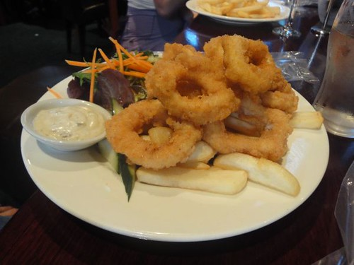 Erskineville Hotel: Crumbed calamari, salad & chips