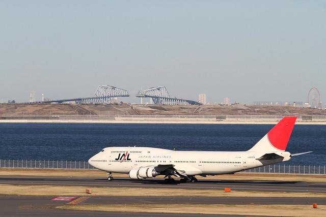 JAL B747-400D(JA8084)