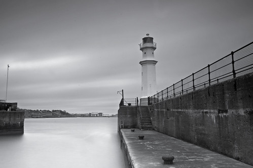Newhaven Lighthouse Mono