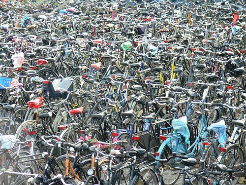 bicycle-stand-utrecht-station