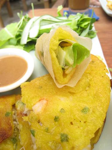 hoi an pancakes - vietnam food