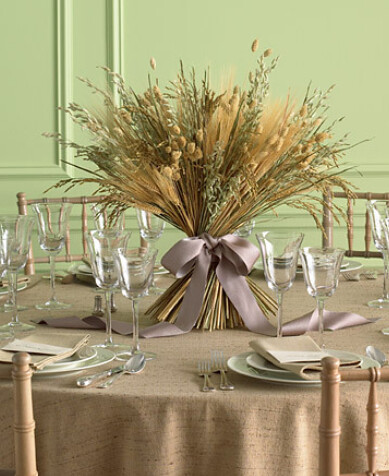 http://www.austinweddingblog.com/2011/02/21-unique-wedding-centerpiece-ideas.html#.UGERzbKPVN9