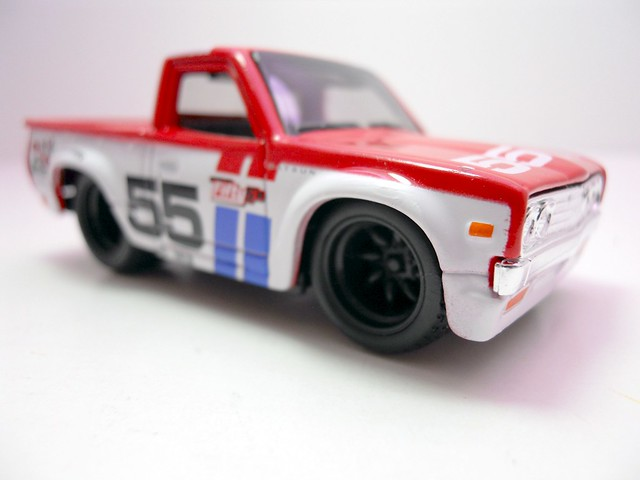 maisto custom shop fifty 5's 1975 Datsun Truck 620 (4)