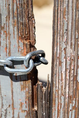 Chain-door-Mosta