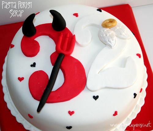 ANGEL AND DEVİL CAKE