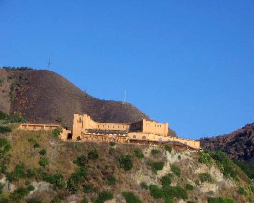 Il Castello del Mito tra storia fascino e lusso a Santa Trada di Cannitello Villa San Giovanni