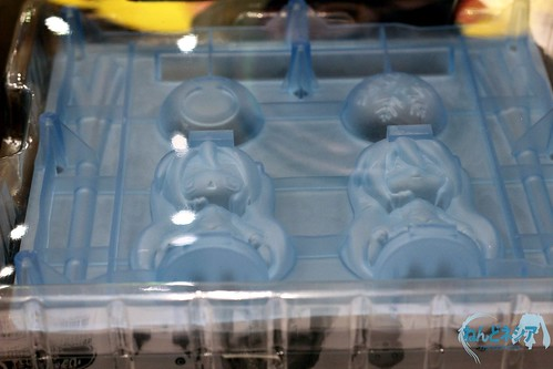 Ice tray with Hatsune Miku and Hachune Miku pattern