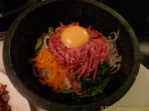 Yukhae dolsot bibimbap (raw beef stone pot with rice) at Arang