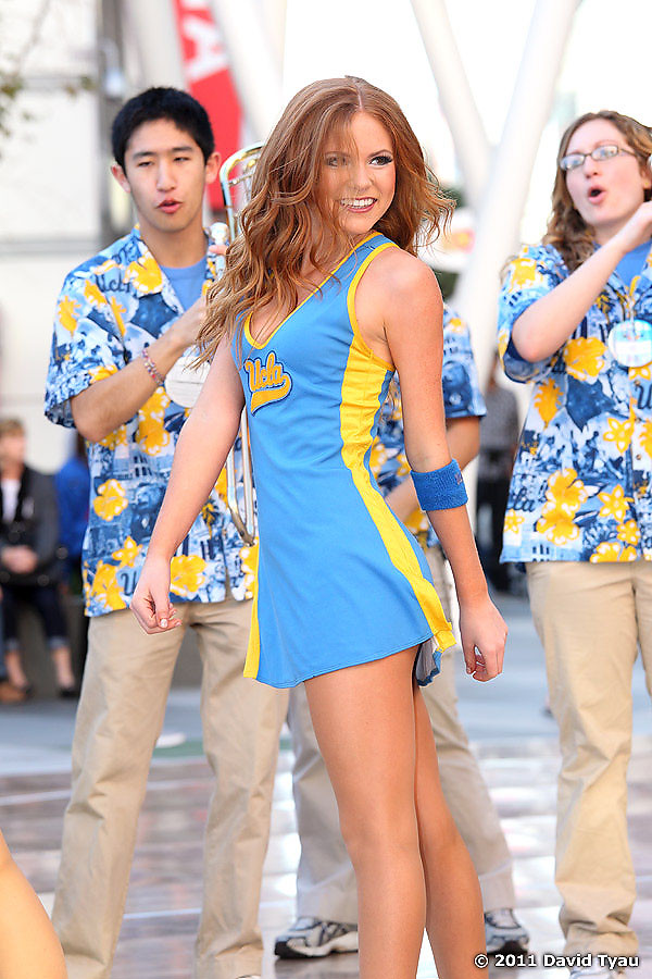 UCLA Dance Team 011