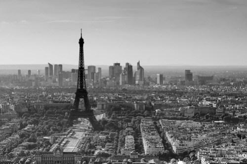 Paris - La Défense et la tour Eiffel vues de Montparnasse