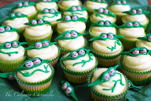 """""""Two Peas in a Pod"""" Lemon Cupcakes"""