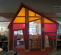 Twin Oaks Branch, Austin Public Library