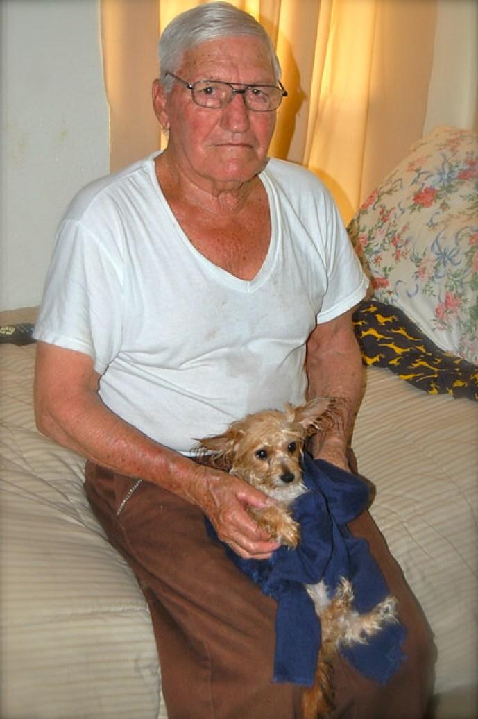 Chiquito y abuelito