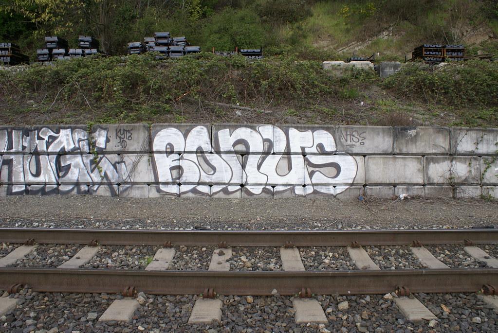 bonus huge graffiti