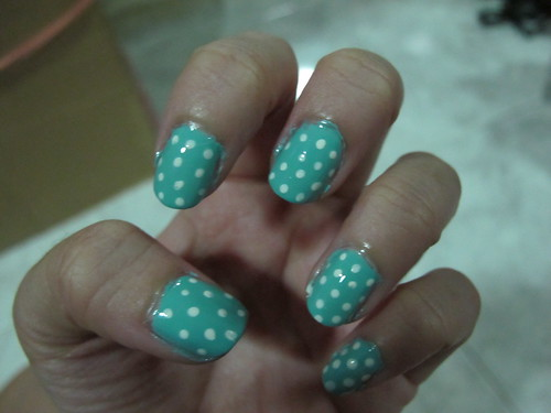 Singapore Lifestyle Blog, beauty, tutorials, nail art, manicures, nadnut, polka dot nails