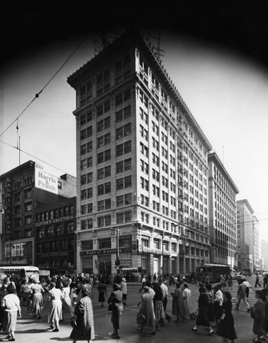 Bank of America, Broadway & 7th (LAPL)