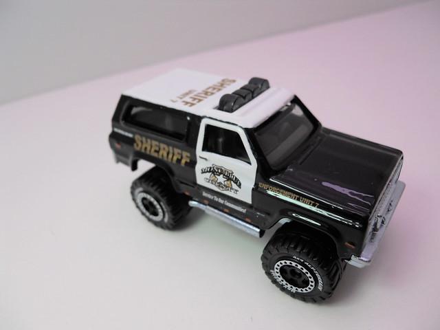 matchbox '89 chevy blazer sheriff lesney box   (4)