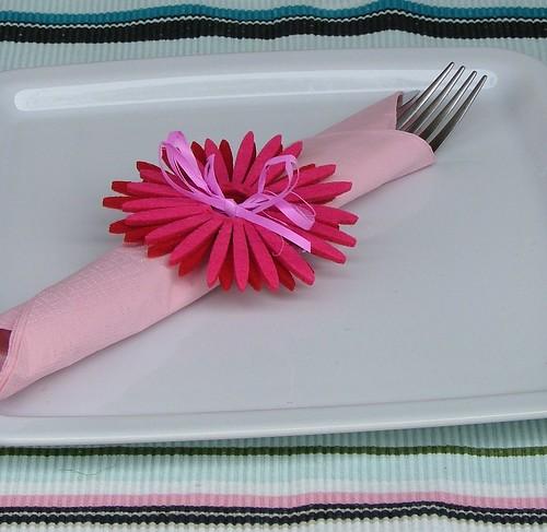 tablescape pink eggs & gerbera