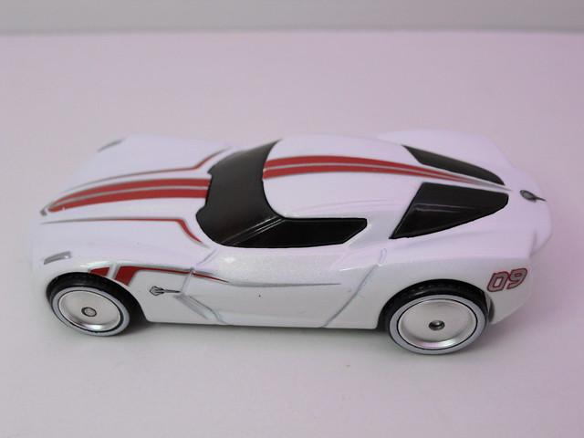 hot wheels garage corvette stingray concept wht (4)