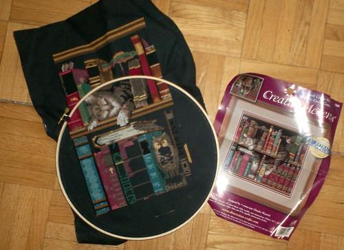 Bookshelf Cat Cross-stitch