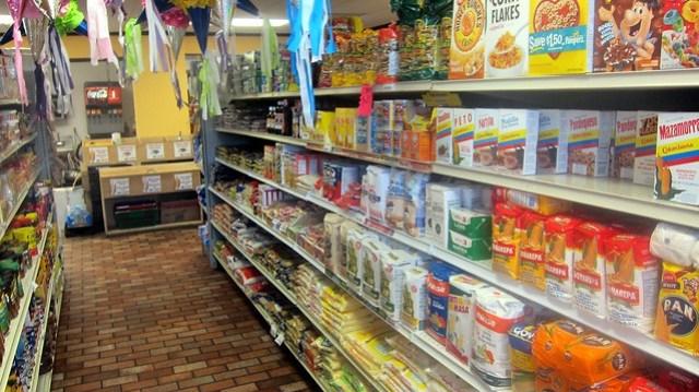 the groceries at la carreta