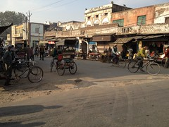 Run-down Street (Agra, Uttar Pradesh, India)