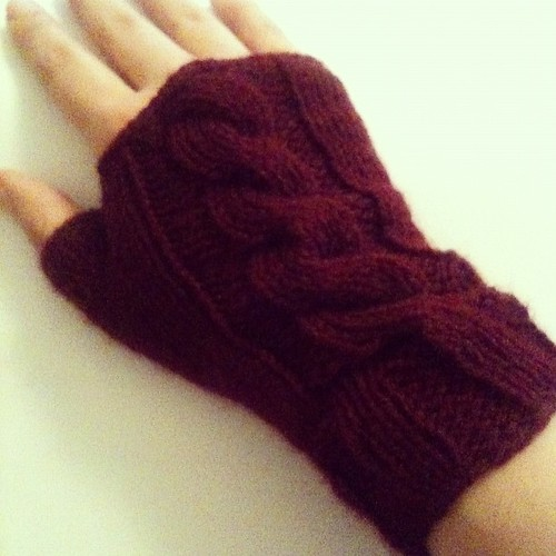 First mitten complete! #knitting by joeyanne, on Flickr