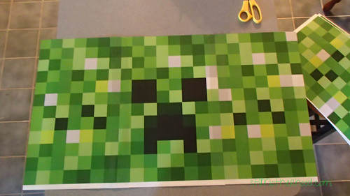Easy Minecraft Creeper Costume...that's comfy to wear!