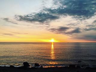 今天終於看見夕陽了啦⋯⋯ #輕旅行#放鬆的日子#回家就要面對了#淚牛滿面啊 #開心的一天 #大感動