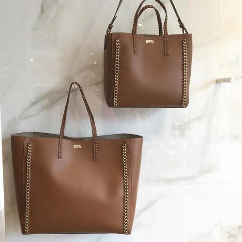 As duplas perfeitas que a @schutzoficial fez pra este verão. Bags modernas e com precinho precinho, na promô de bolsas da Cash