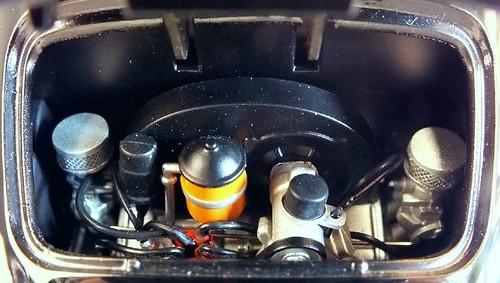 AutoArt Porsche 356 motore