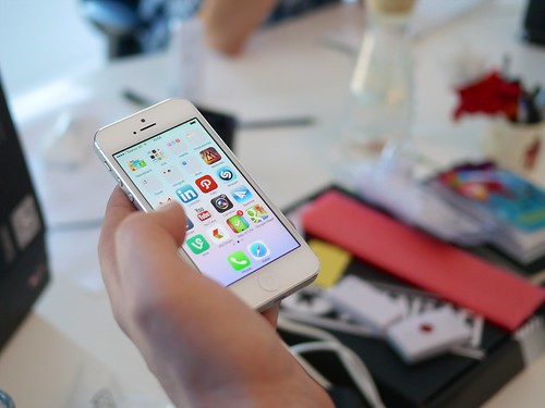 Screen Interaction - iOS7