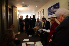 Police arrive at Joe Hockey's office where prayer vigil sit-in for asylum seekers is taking placce