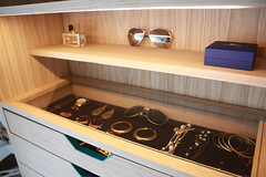 "walk-in_closet5 • <a style=""font-size:0.8em;"" href=""http://www.flickr.com/photos/129600900@N02/31082761000/"" target=""_blank"">View on Flickr</a>"