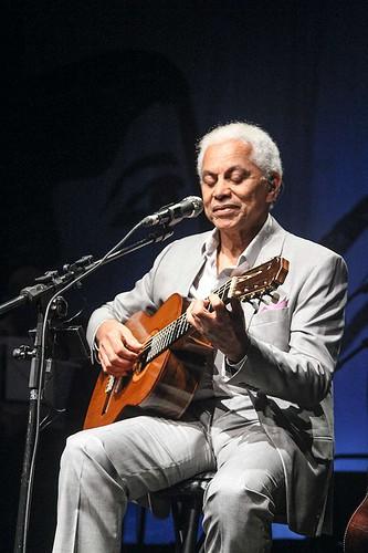 Paulinho da Viola, cantor e impecável