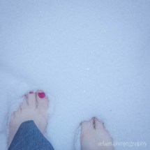 World' Of Barefoot And Snow - Hive