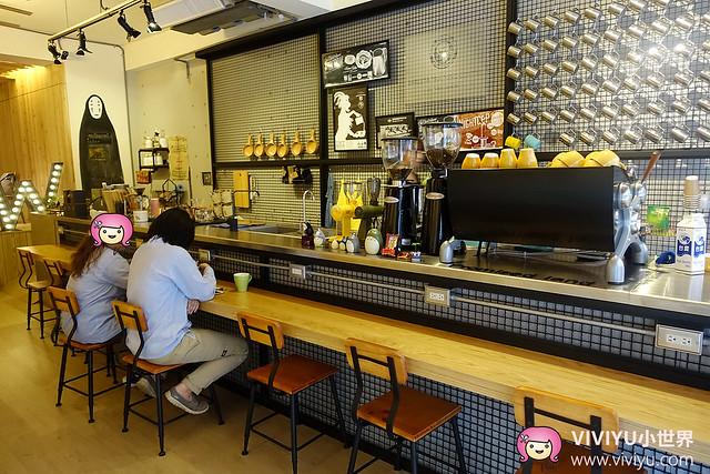 [龜山.美食]鹿點咖啡Workshop 林口店*近林口長庚*~可愛拉花咖啡.龍貓&無臉男 @VIVIYU小世界
