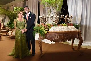 Emoção de Maria da Penha e José Roberto Gonçalves, pais da noiva