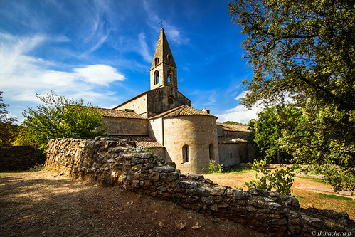 Abbaye du Thoronet-020: l'abside et le clocher...