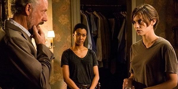 """Só Jesus salva? """"Walking Dead"""" mostra Maggie poderosa e beijo tão esperado"""