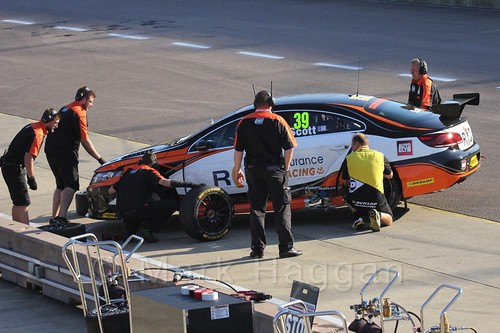 Warren Scott in the pits in BTCC at Rockingham 2015
