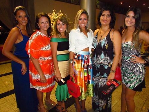 Letícia e Milene Coelho, Rafaela e Camila Milagres, Roseli Aquino e Luiza