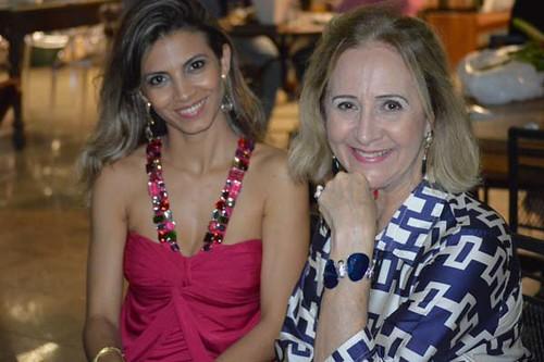 Karla Martins e Consola