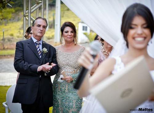 Emoção dos pais do noivo