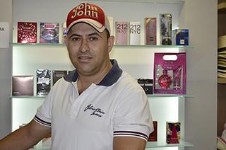 Reinaldo das Graças Carvalho, da loja Garoupa - Foto Emmanuel Franco (1)