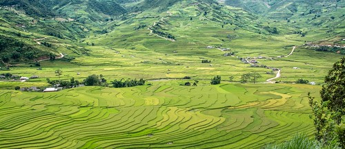 Route 32 between Muong Lo and Mu Cang Chai