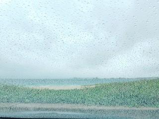 下雨天......