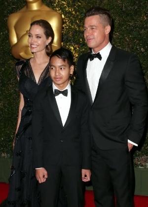 Brad Pitt vê filho mais velho pela primeira vez após briga, diz site