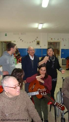 canti-alla-casa-di-riposo-2014-06