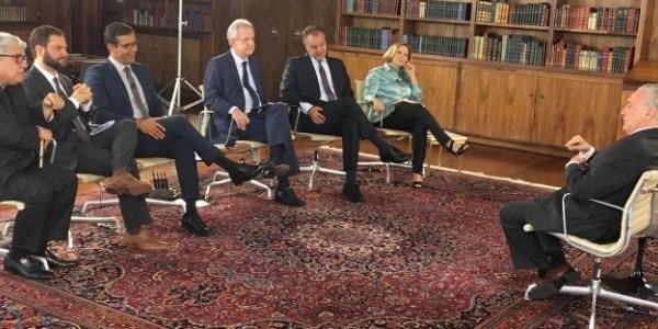 """TV Cultura retira música de Chico Buarque da abertura do """"Roda Viva"""""""